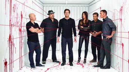 Dexter devra berner ses collègues de travail à plusieurs reprises