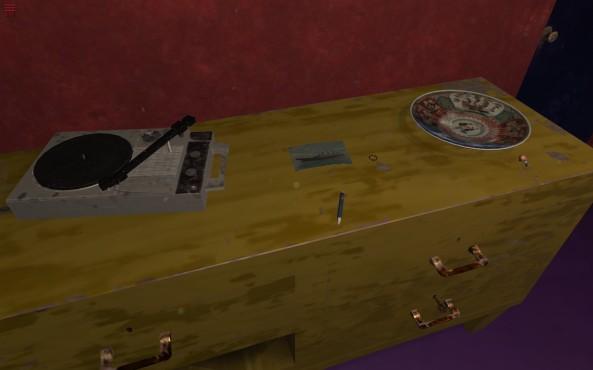 On collectionne lentement les objets autour de la pièce.